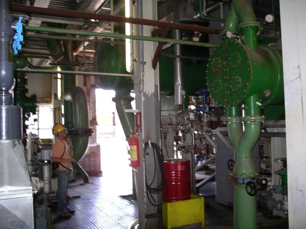 steam condenser on incineration plant